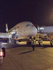 """مطار المدينة يستقبل أول رحلة دولية لـ """"أيرباص A-380"""""""
